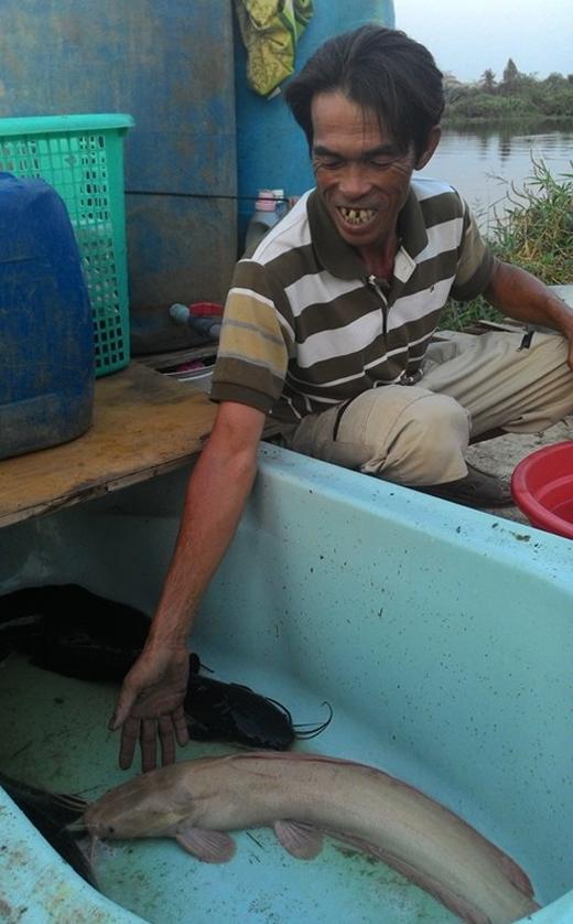 Sửng sốt phát hiện thủy quái nước ngọt tại Đồng Tháp
