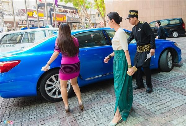 Dương Tử Quỳnhlà một trong số ít ỏi những nữ diễn viên gốc Á thành công ở Hollywood. Cô từng tham gia một tập trong series phim về 007Tomorrow never diesnăm 1997. Đó cũng là năm cô được tạp chí People của Mỹ bình chọn là một trong 50 người đẹp nhất thế giới.