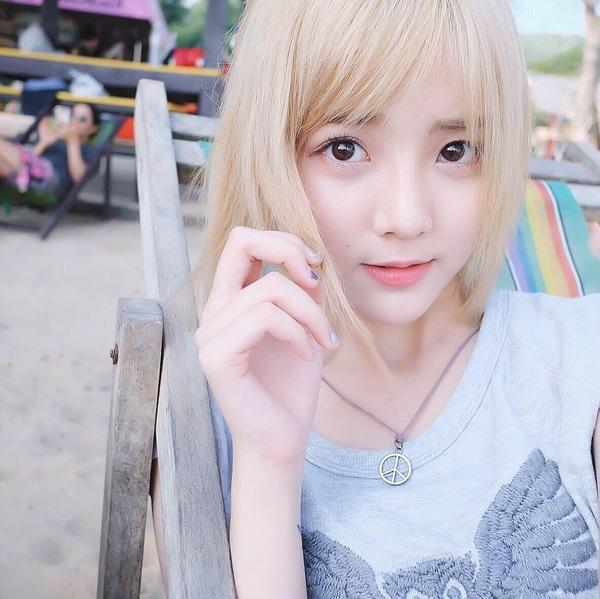 Bị spam quá nhiều, hot girl Thái Lan quyết định chặn facebook fan Việt