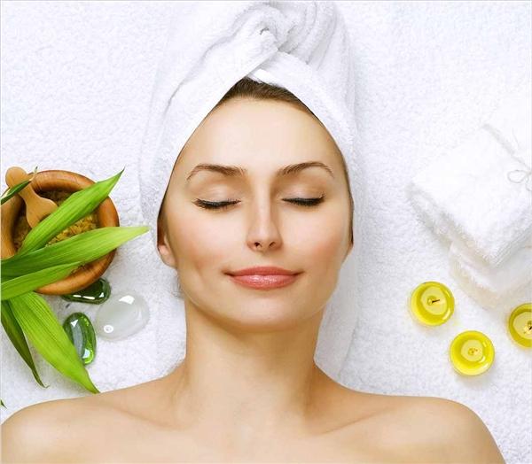 """Có thể áp dụng ngay các loại mặt nạ cực """"bổ dưỡng"""" cho làn da sau đây, vừa cho da hấp thụ đủ vitamin, vừa giúp điều hòa lượng dầu trên mặt."""
