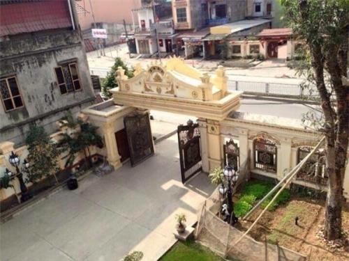 Bí ẩn biệt thự dát vàng 9999 kiểu hoàng gia ở Thái Nguyên