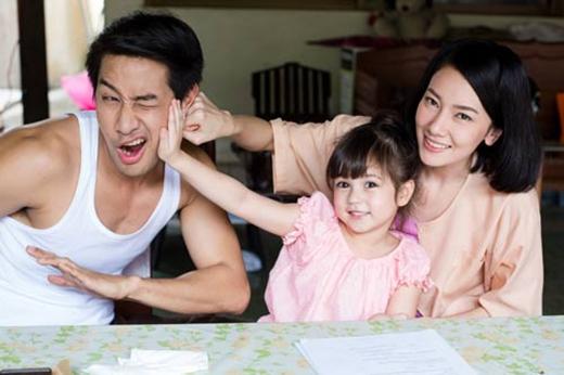 Nghiên cứu của tiến sĩ Kanazawa cho rằng các cặp gen trội của bố mẹ đẹp thường chỉ sinh ra con gái. (Ảnh: Internet)