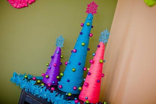 Màu sắc len ấn tượng, phá cáchcùng những viên châu nhiều màu làm nổi bật cả một góc phòng. (Ảnh: Internet)