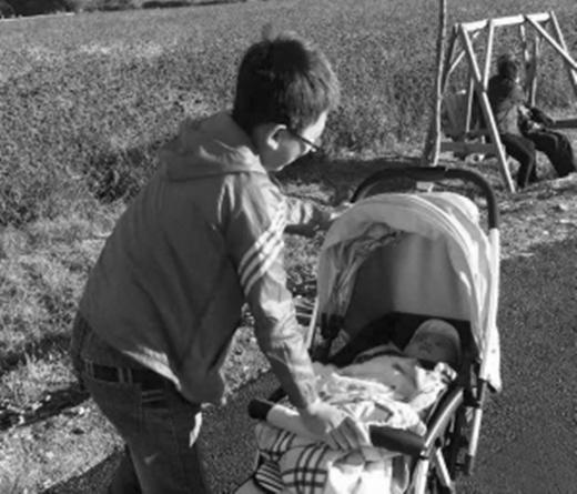 Bài văn cho thấy Tiểu Tôn rất yêu gia đình của mình. (Ảnh Internet)