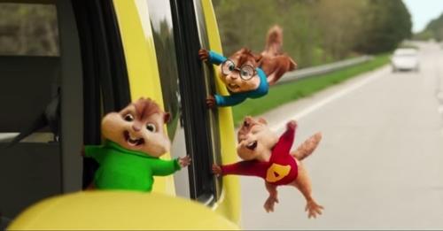 """Fan """"điên đảo"""" với vũ điệu độc đáo của Alvin and The Chipmunks"""