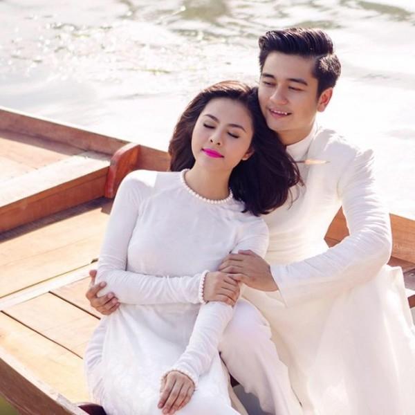 Vân Trang (1990) đã tổ chức lễ đính hôn với bạn trai vào giữa tháng 11 vừa qua. Cặp đôi dự định sẽ tổ chức đám cưới vào tháng 1.2016. - Tin sao Viet - Tin tuc sao Viet - Scandal sao Viet - Tin tuc cua Sao - Tin cua Sao
