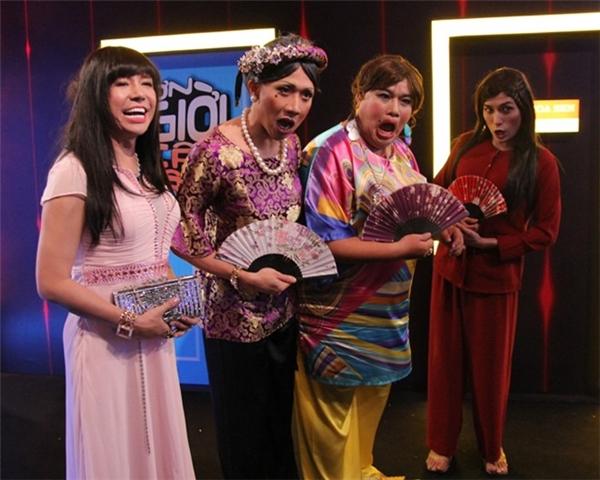 Nhiều nghệ sĩ cũng tham gia giả gái với Long Nhật ở tập 7. - Tin sao Viet - Tin tuc sao Viet - Scandal sao Viet - Tin tuc cua Sao - Tin cua Sao