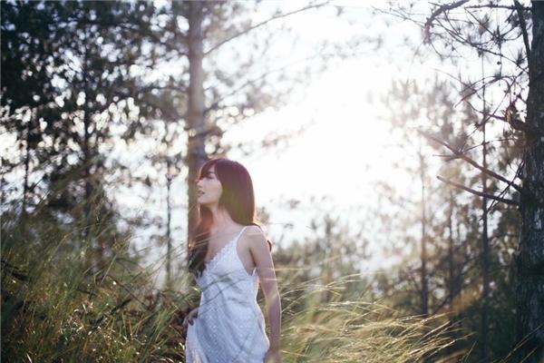 Tạo hình dịu dàng củaBích Phương trong MV mới khiến các fan vô cùng phấn khích. - Tin sao Viet - Tin tuc sao Viet - Scandal sao Viet - Tin tuc cua Sao - Tin cua Sao