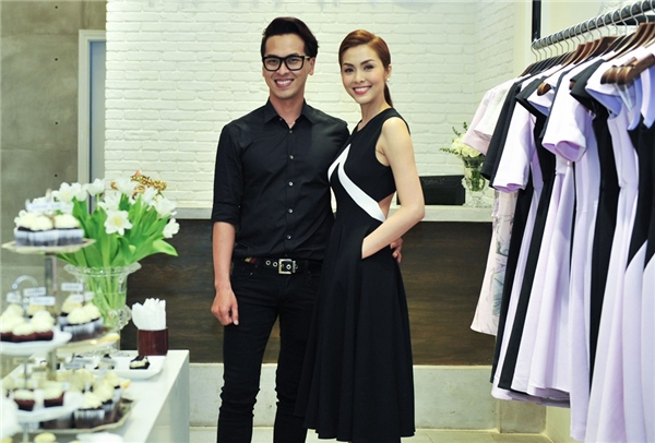 Tăng Thanh Hà và stylist Quang Tuyến trong ngày kỉ niệm một năm ra mắt thương hiệu thời trang. - Tin sao Viet - Tin tuc sao Viet - Scandal sao Viet - Tin tuc cua Sao - Tin cua Sao