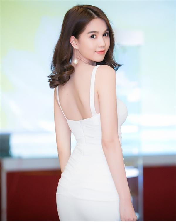 """""""Tôi thấy rất tự tin về body của mình. Tôi cũng nhìn dáng của những người mẫu rồi, không phải ai cũng được nuột nà như tôi"""". - Tin sao Viet - Tin tuc sao Viet - Scandal sao Viet - Tin tuc cua Sao - Tin cua Sao"""