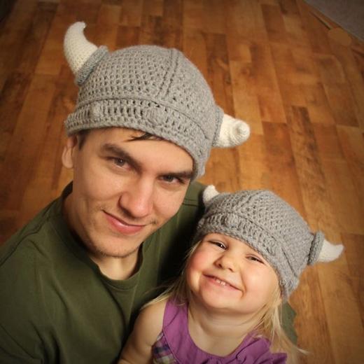 Những chiếc mũ có sừng và râu theo kiểu dân Viking. (Ảnh: Internet)
