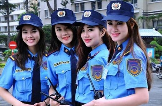 """Hình ảnh 4 nữ bảo vệ từng khiến dân mạng """"liêu xiêu""""."""