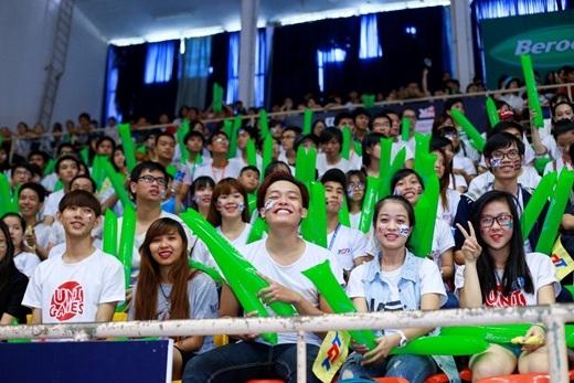 Gần 2000 khán giả tại NTĐ Tân Bình đã có một buổi chiều sôi động và cuồng nhiệt cùng màn trình diễn xuất sắc của các đội nhảy cổ động.