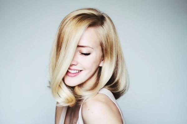 7 cách làm dáng cho mái tóc dài mùa lễ hội cuối năm