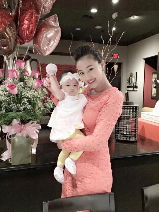 Maya và cô công chúa nhỏ đáng yêu của mình. - Tin sao Viet - Tin tuc sao Viet - Scandal sao Viet - Tin tuc cua Sao - Tin cua Sao