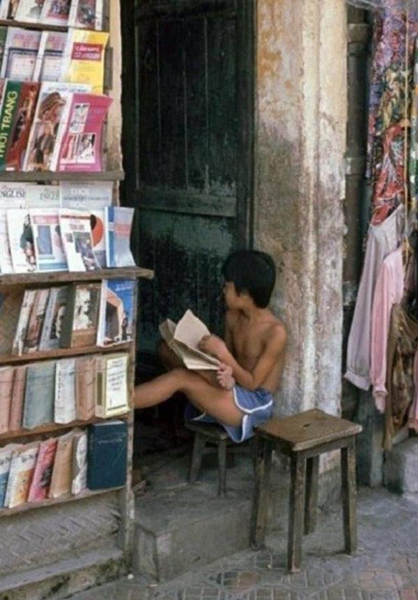 Hình ảnh những cửa hàng cho thuê sách truyện của hơn 10 năm về trước.