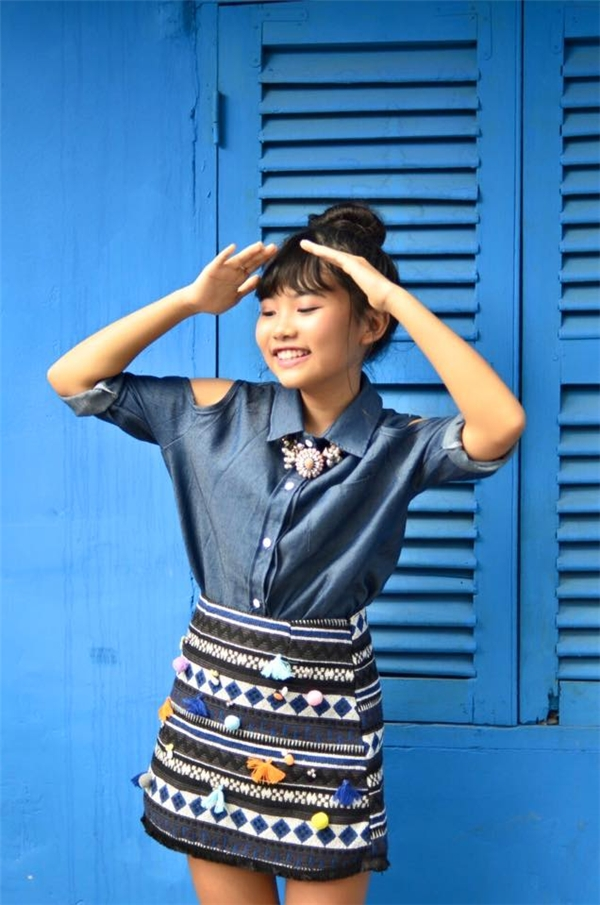 Trong bộ trang phục năng động, Phương Mỹ Chi tạo dáng hết sức chuyên nghiệp trước ống kính. - Tin sao Viet - Tin tuc sao Viet - Scandal sao Viet - Tin tuc cua Sao - Tin cua Sao