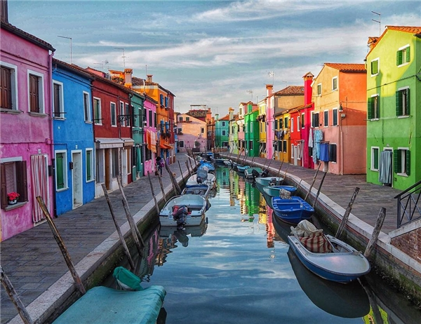 Nơi đâu căng tràn sức sống như thành phốBurano, Ý?. (Ảnh: IG@audiosoup)