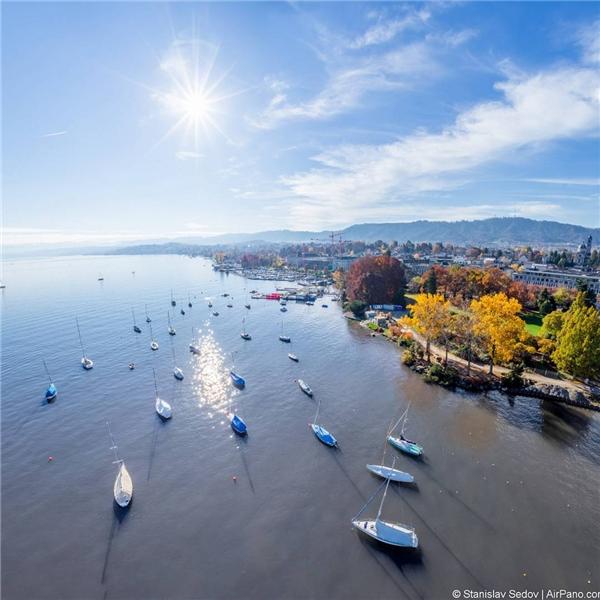 Một buổi sáng trong lành ở Zürich, Switzerland.(Ảnh: IG@rccam)