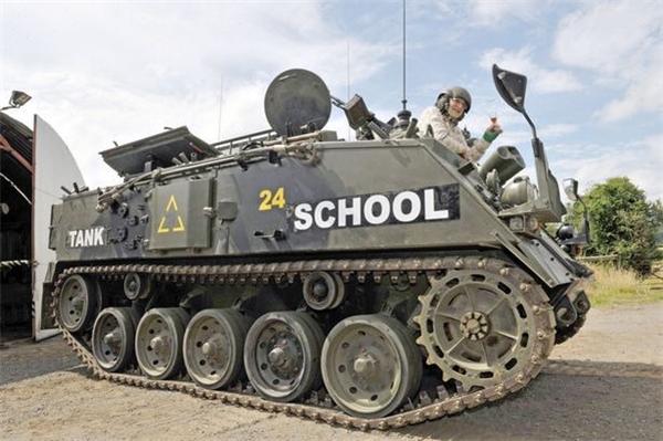 Chiếc xe tăng FV432 của trường quân sự USK. (Ảnh: Internet)