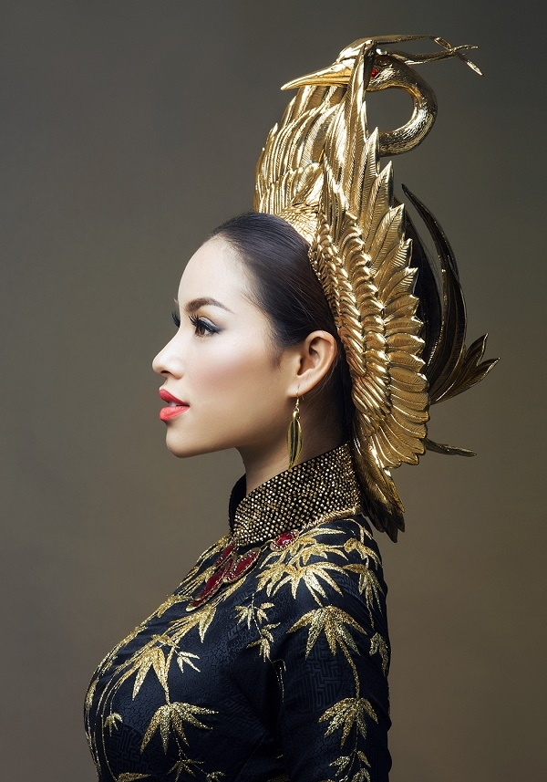Chiếc mấn của Phạm Hương được khen ngợi bởi sự tinh tế, kì công.