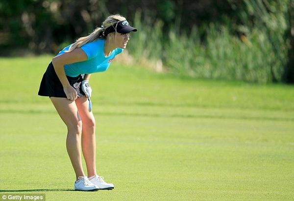 Dù tài năng không quá nổi trội, nhưng golf thủ trẻ tuổi Paige Spiranac bất ngờ được mời tới tranh tài tại giải Dubai Ladies Masters, diễn ra từ 8/12 - 12/12 tại UAE.