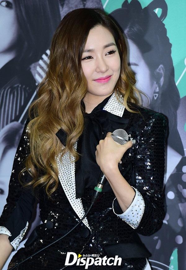 Tiffany thường xuyên xuất hiện trước công chúng với vẻ ngoài được chăm chút, trang điểm cẩn thận. Cô nàng dường như là thành viên chăm trang điểm nhất trong số 8 cô gái của SNSD.