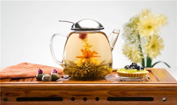 Nếu buồn lòng khi màu nhuộm của bạn không lên màu như ý, hãy áp dụng ngay tuyệt chiêu trà cúc và chanh.