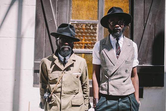 Các fashionisto chốn Châu Phi đầy nắng và gió.