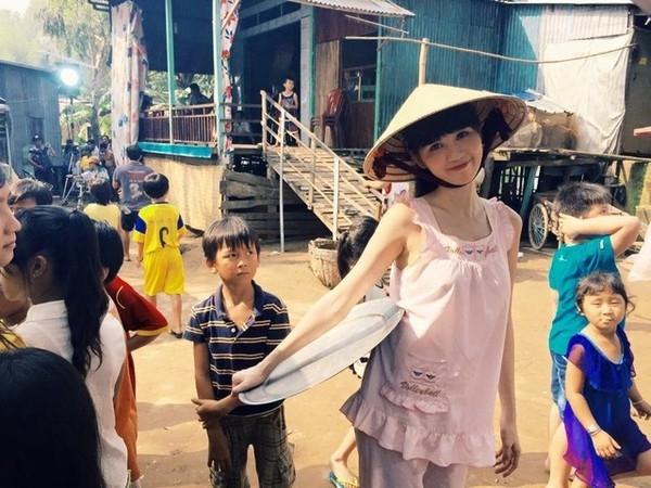 Ngọc Trinh quyết định mang câu chuyện cuộc đời của mình lên phim và cho khán giả thấy được những vất vả, khó khăn mà cô từng trải qua để có được thành công như ngày hôm nay. - Tin sao Viet - Tin tuc sao Viet - Scandal sao Viet - Tin tuc cua Sao - Tin cua Sao