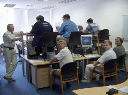 Văn phòng làm việc tiết kiệm không gian.
