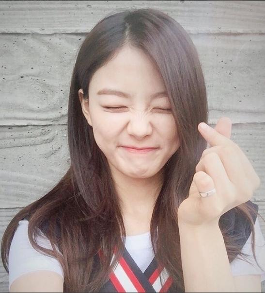 Những tin đồn hẹn hò hư cấu nhất làng nhạc Kpop năm 2015