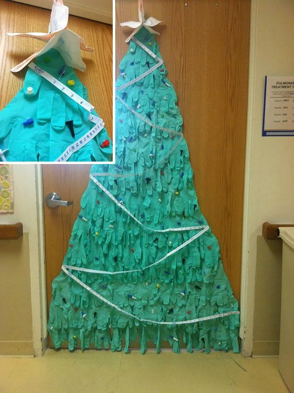 Loạt ảnh trang trí Giáng sinh trong bệnh viện khiến ai cũng xúc động