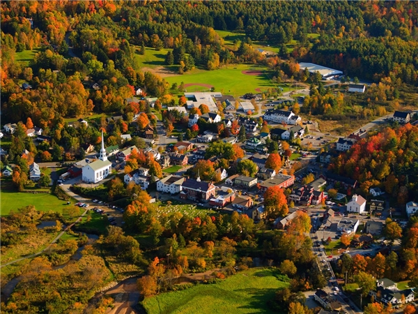 Những khu nghỉ dưỡng ở thành phố Stowe, Vermont là nơi du khách có thể đến để tha hồ trượt tuyết, đi bộ đường dài, leo núi và thư giãn trong cácspa đẳng cấp thế giới.(Ảnh: Internet)