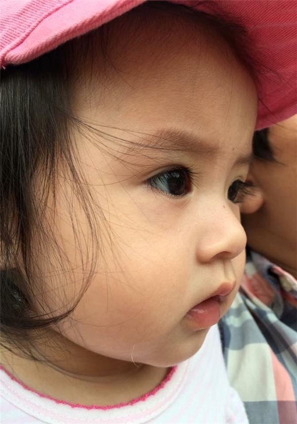 Cận cảnh gương mặt quá đỗi đáng yêu của công chúa nhỏ nhà Gia Bảo. - Tin sao Viet - Tin tuc sao Viet - Scandal sao Viet - Tin tuc cua Sao - Tin cua Sao