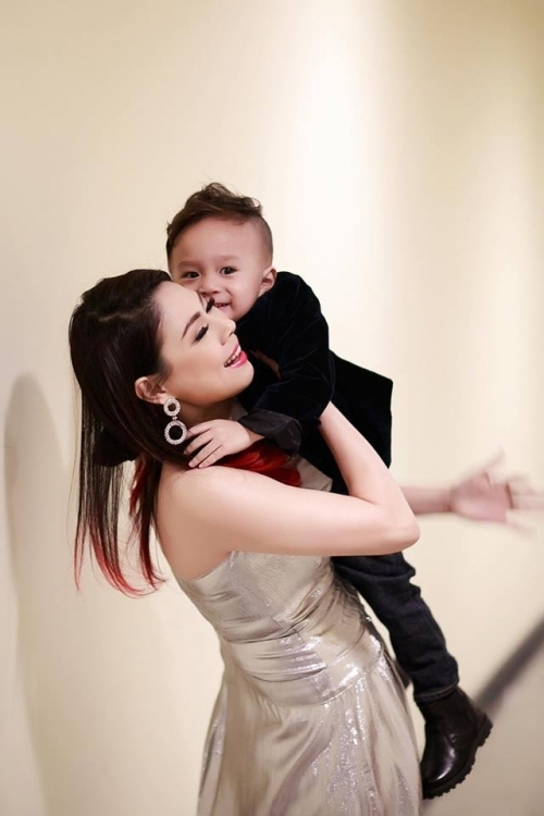 Ca sĩ Thanh Thảo nhận nuôi bé Jacky, con trai của em gái cô. - Tin sao Viet - Tin tuc sao Viet - Scandal sao Viet - Tin tuc cua Sao - Tin cua Sao