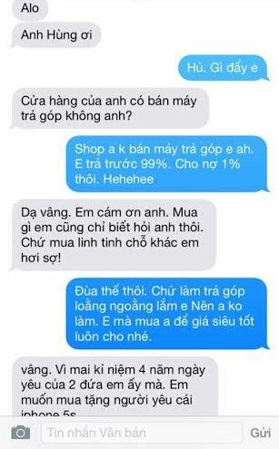 Chàng trai muốn mua tặng bạn gái chiếc điện thoại iPhone 5s.