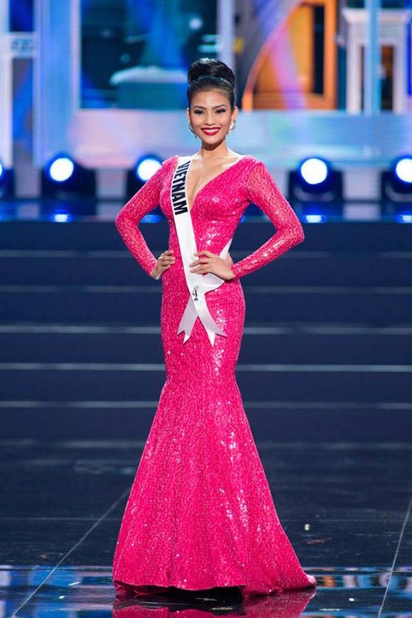 Hai năm sau, Trương Thị May đã lọt vào top 10 bộ váy dạ hội đẹp nhất của Miss Universe 2013. Thiết kế được thực hiện trên nền vải sequins có màu hồng tươi nổi bật.