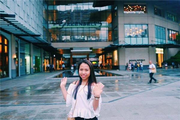 Cindy Trần khiến nhiều người ngạc nhiên vì trình độ ngoại ngữ cực đỉnh của mình. (Ảnh: Internet)
