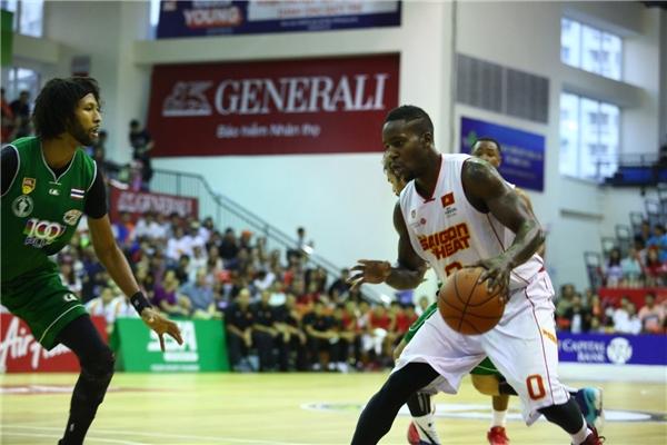 Lenny Daniel không mất nhiều thời gian làm quen với môi trường bóng rổ tại ABL.