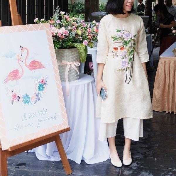 Những hìnhảnh trong lễ ăn hỏi của cặp đôi cũng đúng chất nghệ thuật, mang nhiều ý nghĩa mà cả hai đã thực hiện. (Ảnh: Internet)
