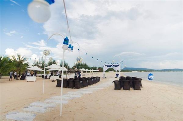 Đám cưới ngôn tình được tổ chức tại bãi biển Phú Quốc. (Ảnh: Internet)