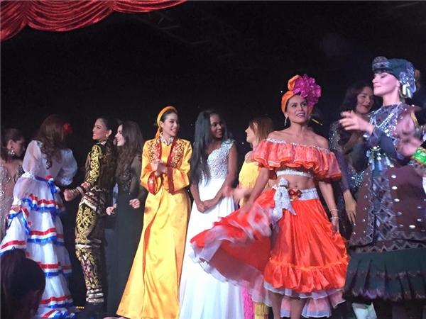 Phạm Hương lội ngược dòng ngoạn mục tại Miss Universe 2015 - Tin sao Viet - Tin tuc sao Viet - Scandal sao Viet - Tin tuc cua Sao - Tin cua Sao
