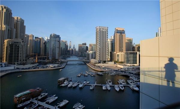 Khu phố tại bến du thuyền rộng gần 4,6 triệu m2 với hơn 150 tòa cao ốc.