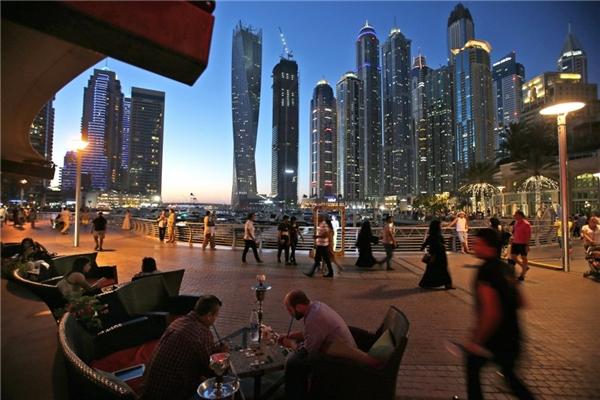 Với đường chân trời tuyệt đẹp, cuộc sống về đêm phong phú, và ẩm thực đa dạng, mục tiêu thu hút 20 triệu du khách vào năm 2020 không phải là quá xa xôi đối với ngành du lịch Dubai.