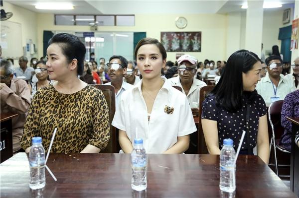 Chương trình lần này còn có sự tham gia của áhậuDương Trương Thiên Lý. - Tin sao Viet - Tin tuc sao Viet - Scandal sao Viet - Tin tuc cua Sao - Tin cua Sao
