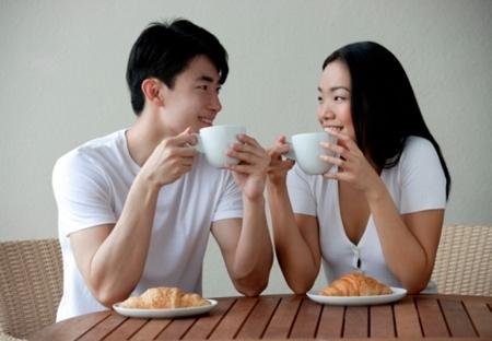 Thời gian lý tưởng cho bữa sáng là vào khoảng thời gian từ 7 - 8 giờ và sau khi ngủ dậy từ 20 - 30 phút. Ảnh minh họa.