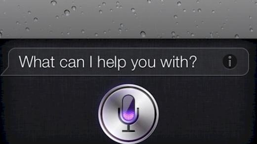 Bấm và giữ nút giữa trong khoảng hai giây để kích hoạt Siri. Lưu ý rằng bạn phải ở màn hình chính. (Ảnh: Internet)