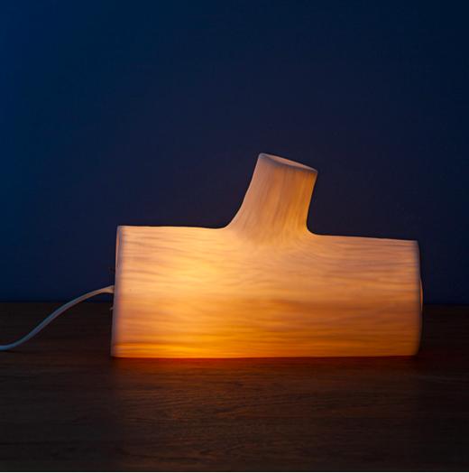 Đèn giả khúc cây cũng khiến cho căn phòng bạn trở nên ấm áp bất ngờ.(Ảnh: BuzzFeed)