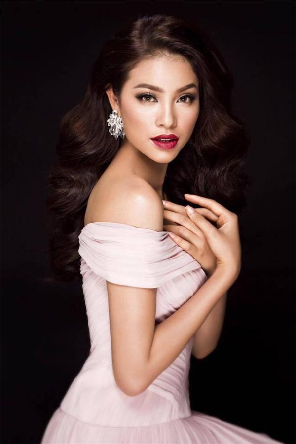 Đọ vẻ thu hút của Phạm Hương, Lan Khuê trong những kiểu tóc tương đồng